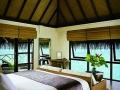 four-seasons-at-kuda-huraa-bedroom-1