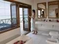 meeru-honeymoon-suite-bathroom