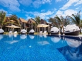 crsytals-beach-hotel-swimming-pool3
