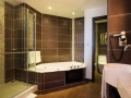 crystals-beach-hotel-bathroom-2