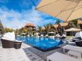 crystals-beach-hotel-mauritus-lounger