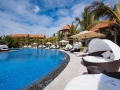 crystals-beach-hotel-swimming-pool