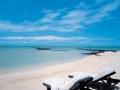 le-touessrok-hotel-mauritius-beach-loungers