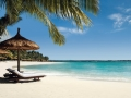 one-and-only-le-saint-geran-mauritius-beach-umbrella