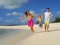 pointe-aux-biches-mauritius-family
