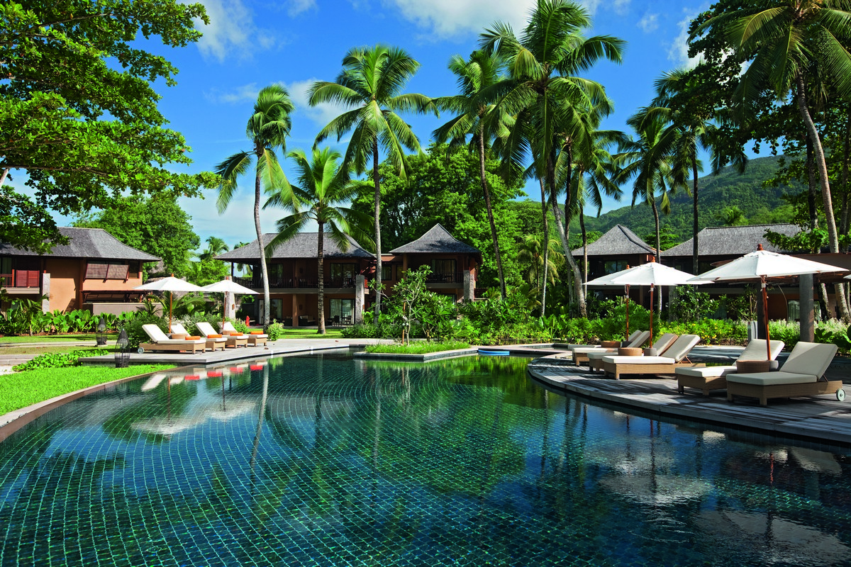 5441ephelia-seychelles-pool-view-10