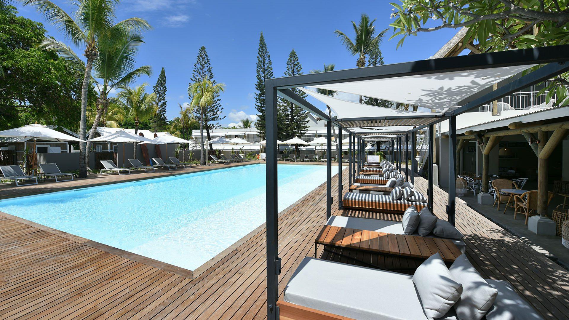 veranda-tamarin-main-pool